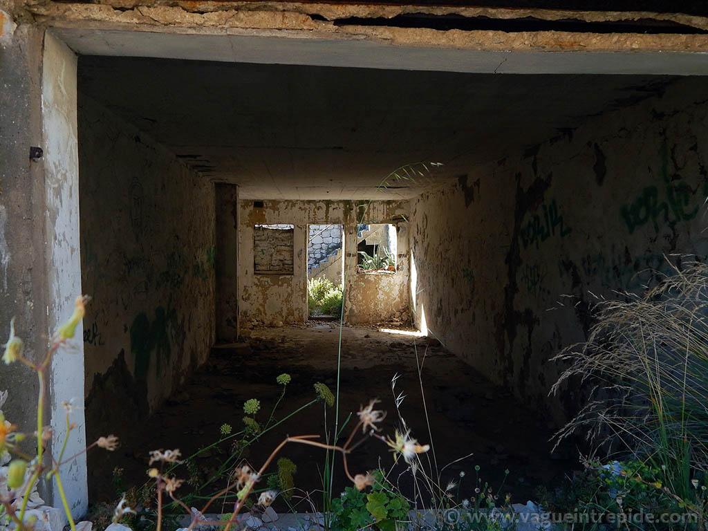 L'intérieur du fort de Caveaux sur l'île de Pomègues au frioul