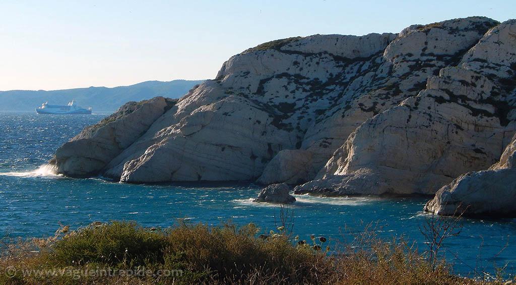 Les falaises calcaires du Frioul